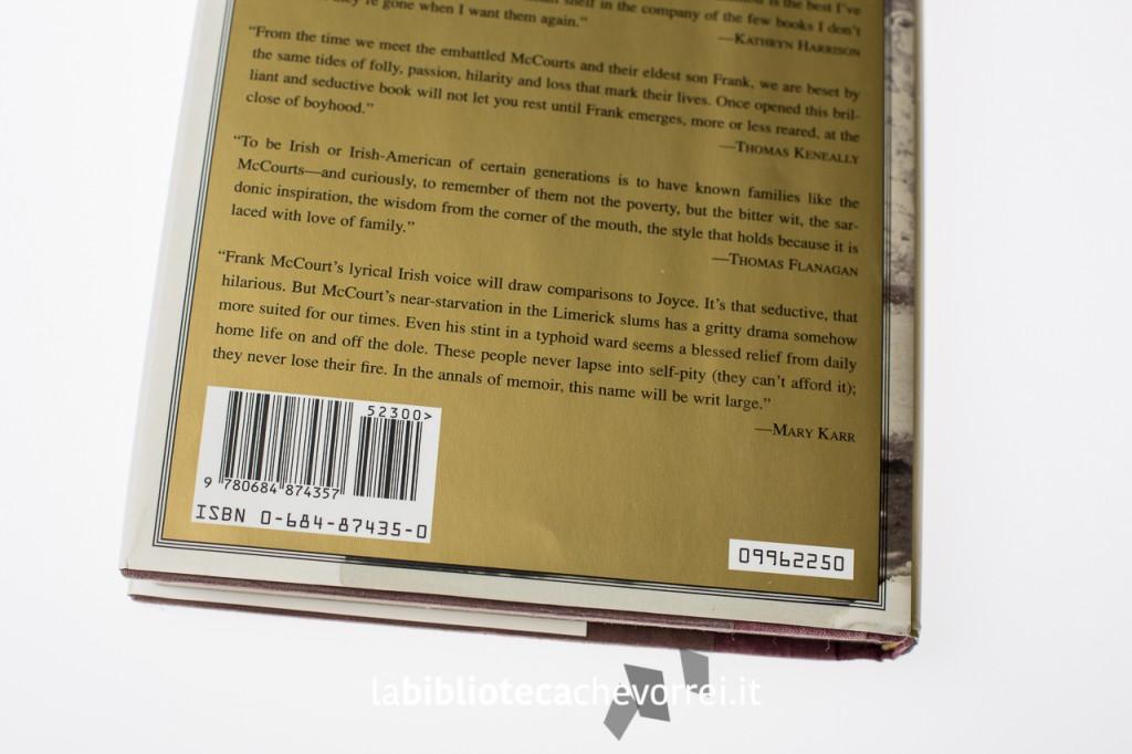 """Il retro della copertina del libro di Frank McCourt """"Angela's Ashes""""."""