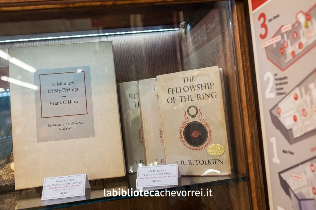 Prime edizioni del Signore degli anelli di J.R. Tolkien in vendita da STRAND a New York.