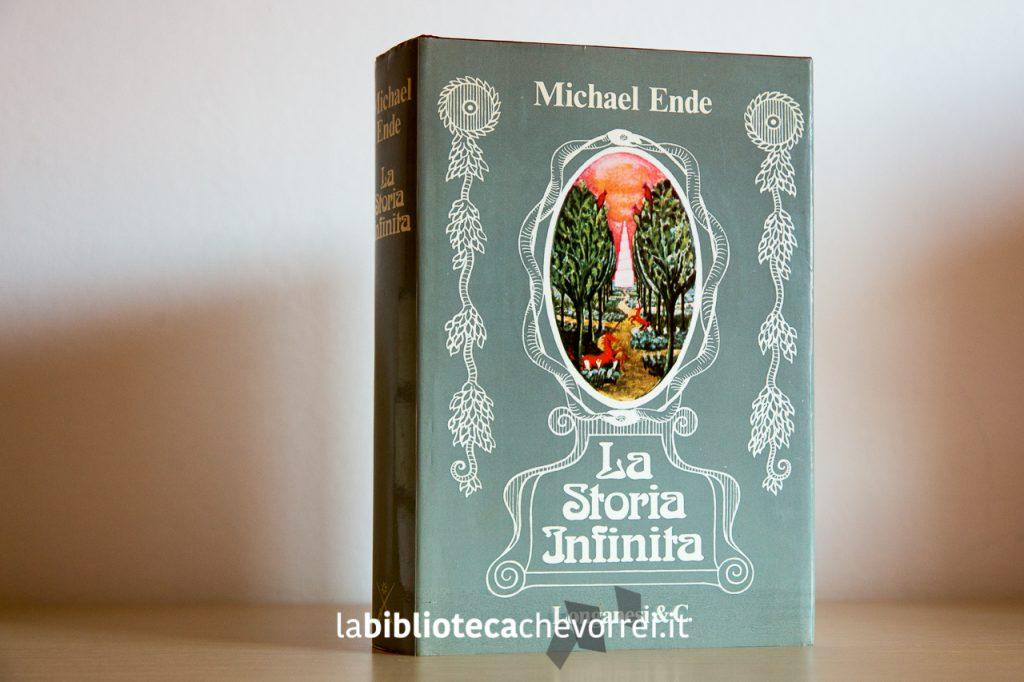"""La prima edizione del libro """"La storia infinta"""" di Michael Ende, 1981. Edito da Longanesi."""