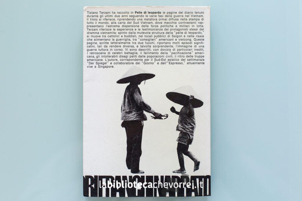 """Retro copertina della prima edizione del libro di Tiziano Terzani """"Pelle di leopardo"""" del 1973."""