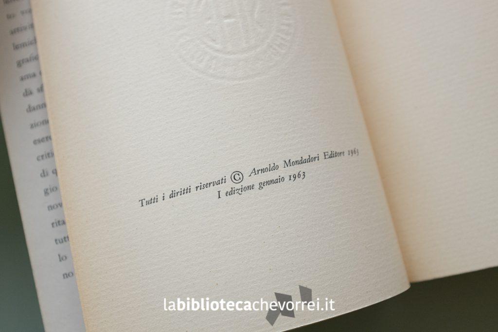 """Pagina con riportata la nota della prima edizione del """"Diario minimo"""" di Umberto recante la data gennaio 1963."""