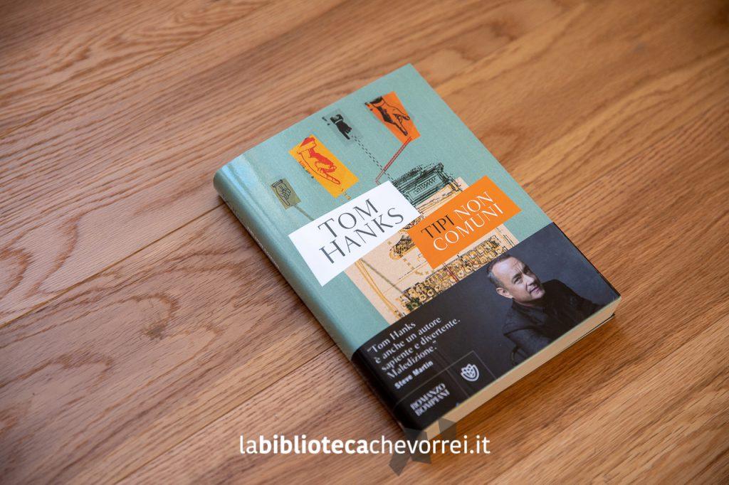 """Prima edizione del libro """"Tipi non comuni"""" di Tom Hanks."""