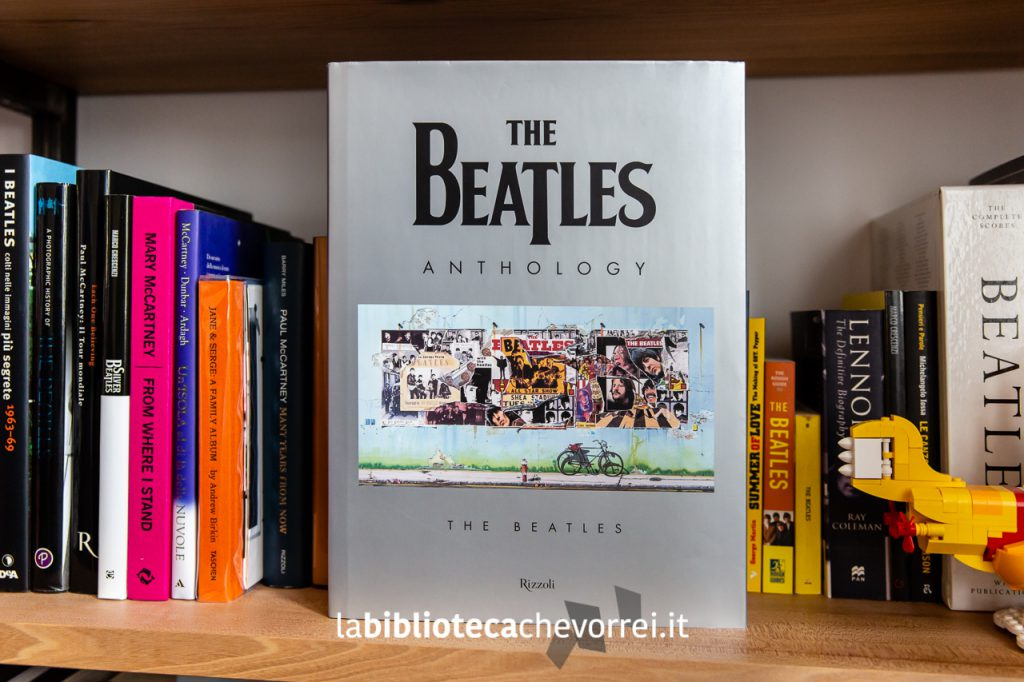 The Beatles Anthology. Il libro è uscito nel 2000, edito da Rizzoli.
