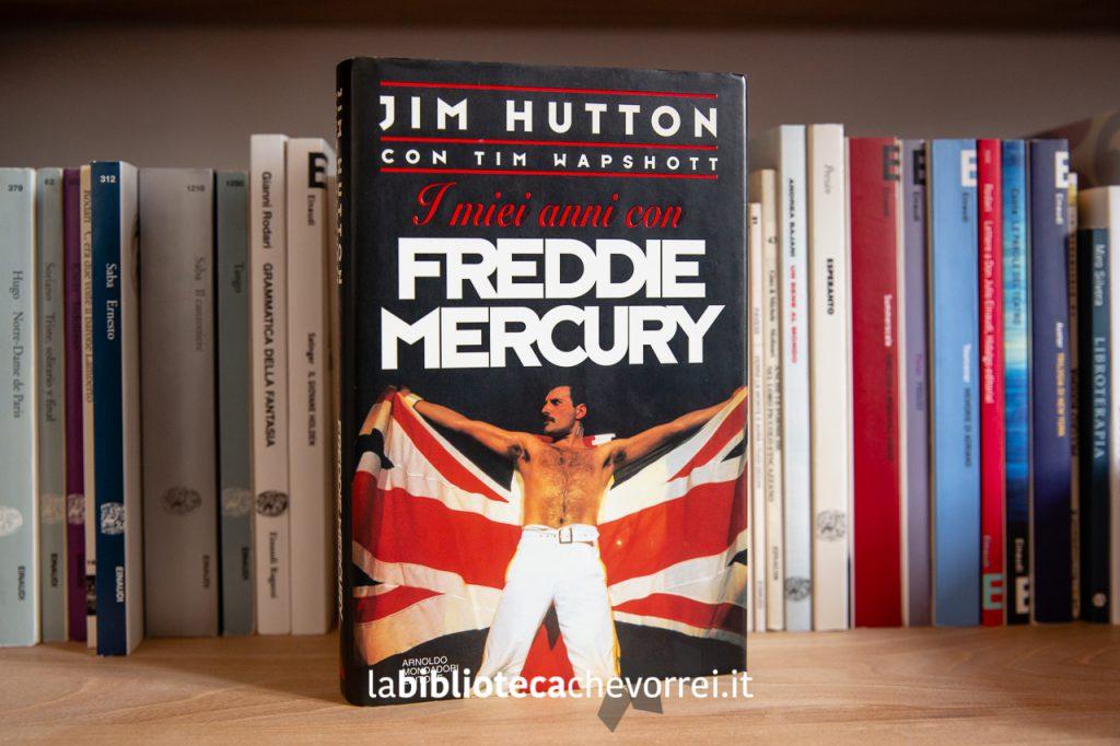 """Prima edizione del libro """"I miei anni con Freddie Mercury"""" stampato dalla Mondadori nel 1994."""
