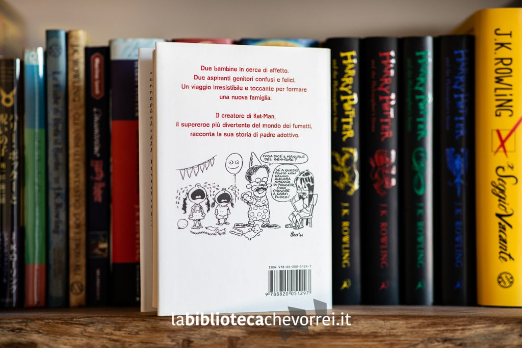 """La retro copertina della prima edizione del libro di Leo Ortolani """"Due figlie e altri animali feroci"""", Sperling & Kupfer, 2011."""