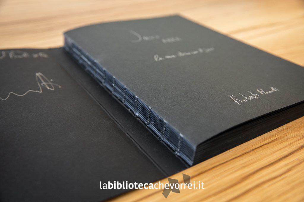 Rilegatura con brossura filo refe alla svizzera, dorso scoperto, blocco libro incollato alla terza di copertina per il libro Jazz AREA di Roberto Masotti, edito dalla casa editrice Seipersei.