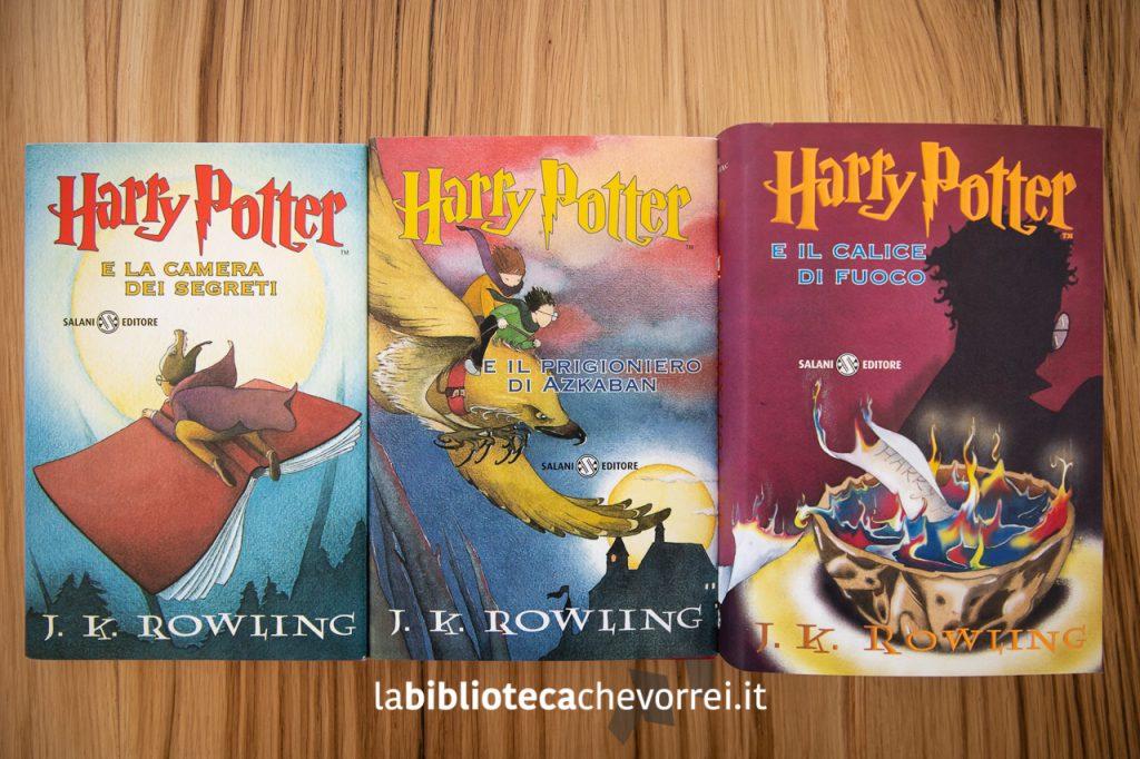 Le copertine del secondo, terzo e quarto volume della saga di Harry Potter di J.K. Rowling.