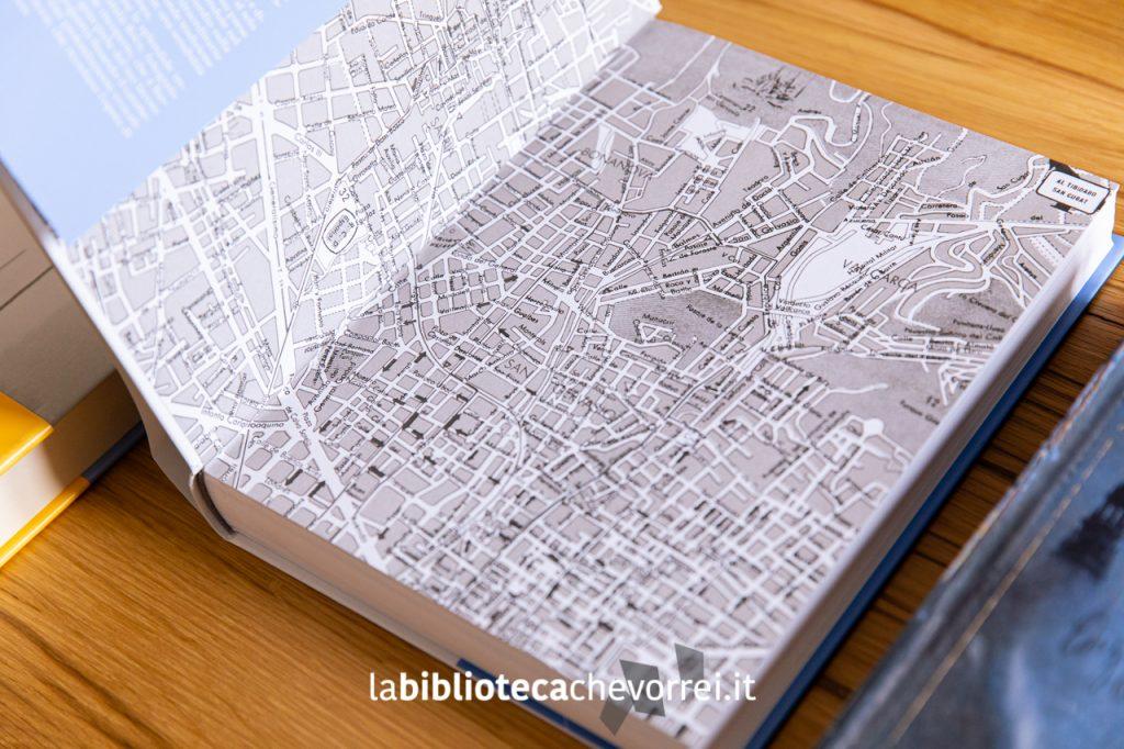 Risvolto della edizione illustrata del 2005 che riporta una cartina di Barcellona.