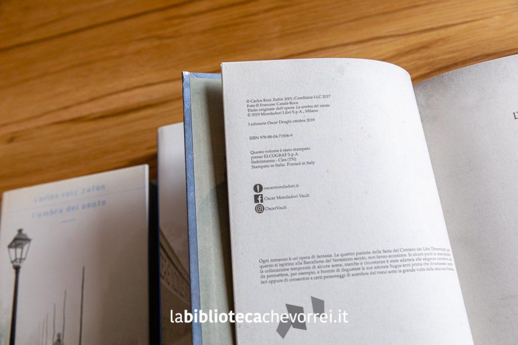 Pagina dei crediti della nuova versione illustrata. Mondadori, 2019.