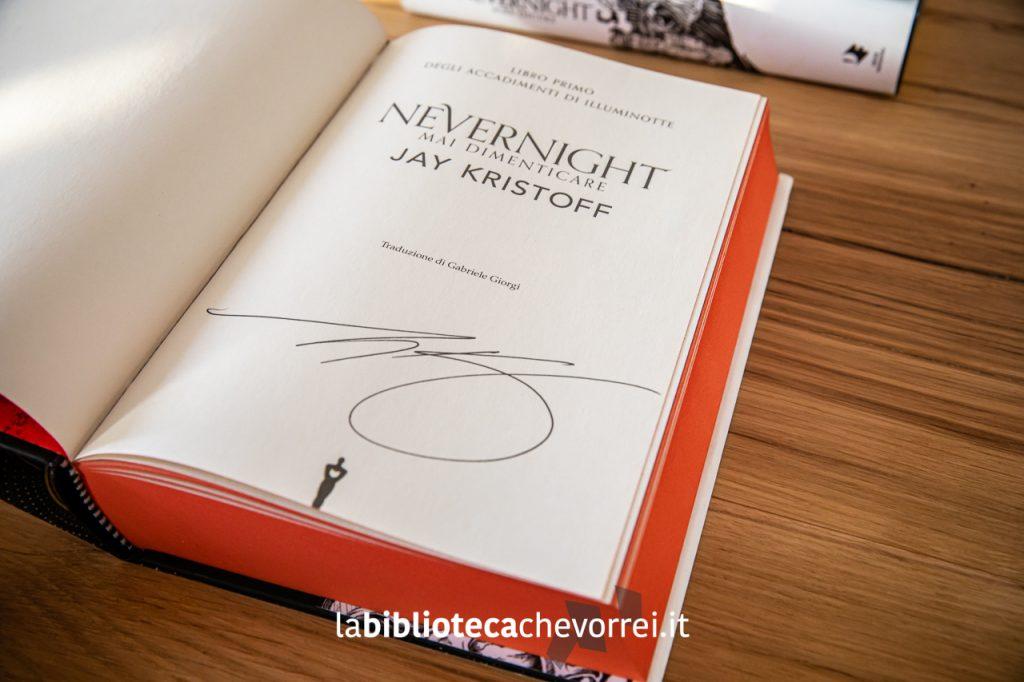 """L'autografo di Jay Kristoff sul primo volume della trilogia """"Nevernight"""" pubblicata da Mondadori a settembre 2019."""