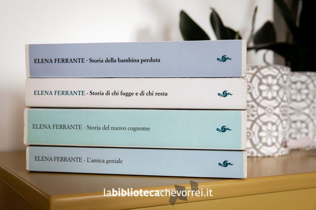 """I dorsi delle prime edizioni de """"L'amica geniale"""" di Elena Ferrante. Edizioni e/o."""
