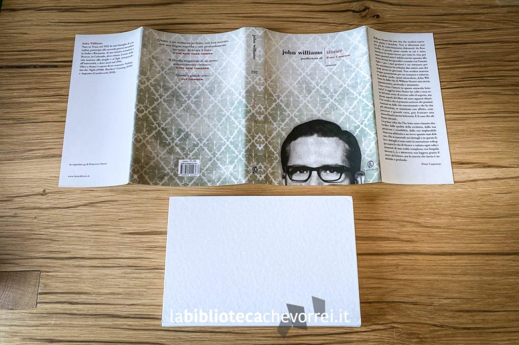 La sovraccoperta della prima edizione italiana di Stoner di John Williams, Fazi Editore, febbraio 2012.