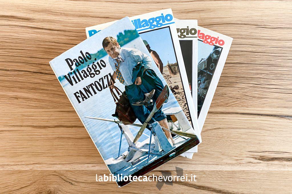 Una raccolta di alcuni libri della saga di Fantozzi scritti da Paolo Villaggio.