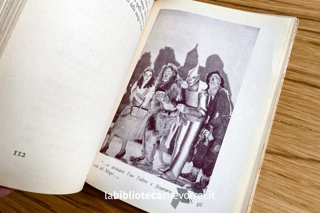 Pagine interna con una delle 32 fotografie tratte dal film e inserite nel libro.
