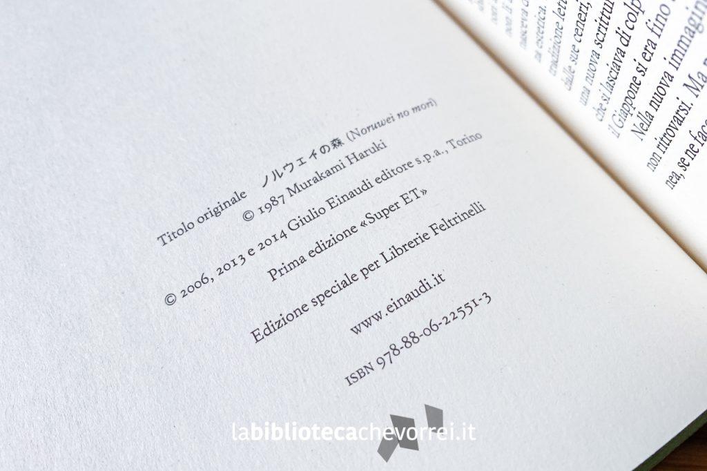 """Indicazione dell'edizione speciale per Librerie Feltrinelli del libro """"Norwegian Wood"""" di Haruki Murakami, Einaudi, 2014."""