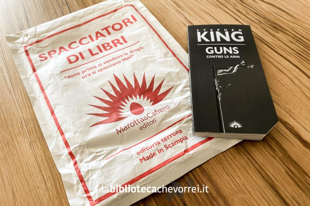 L'edizione limitata in 1000 esemplari numerati di GUNS di Stephen King pubblicata da Marotta&Cafiero Editori, Scampia 2021.