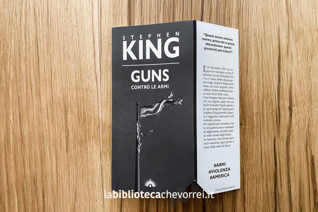 Copertina dell'edizione limitata in 1000 esemplari numerati di GUNS di Stephen King, Marotta&Cafiero Editori, Scampia 2021.