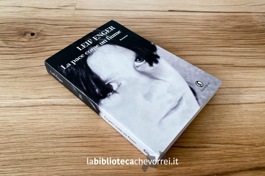 """Copertina del libro """"La pace come un fiume"""" di Leif Enger, Fazi Editore, 2002. Prima edizione."""