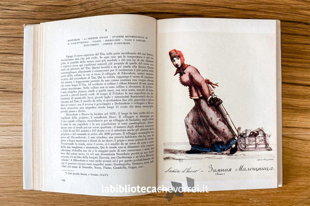 Pagine interne con inserti di illustrazioni a colori del volume Siberia di A. Cechov.